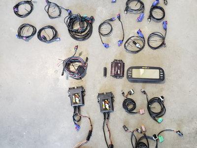 Racepak V300 and components
