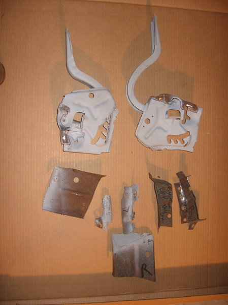 CHEVELLE TRUNK HINGES 68/72 OEM   for Sale $55