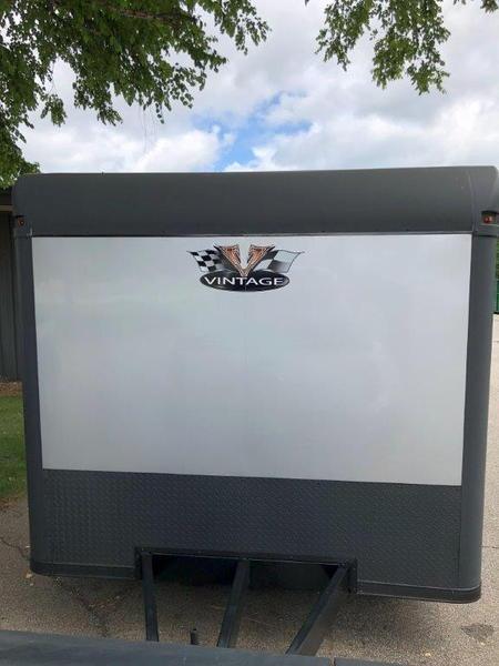 28' 2018 Vintage Blackhawk/ Pro Stock Trailer