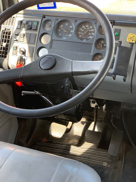 2000 Freightliner Toterhome  for Sale $41,000