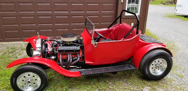 1923 Ford Roadster with SBC SBC turbo 350 transmission