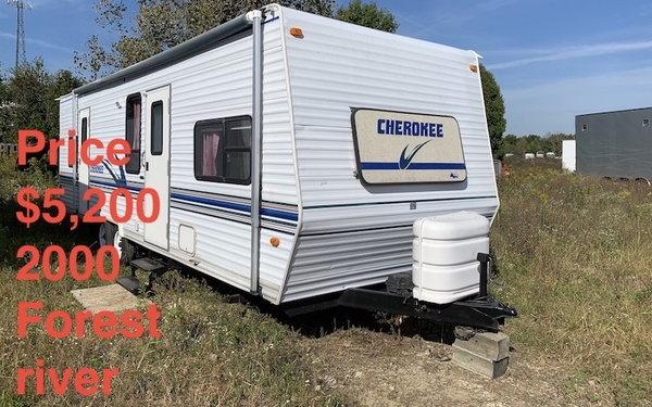 2000 Cherokee Travel Trailer  for Sale $5,200