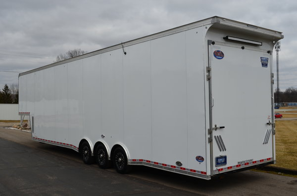"""2018 United Trailers Gooseneck 42' w/ 9' 6"""" Int. Height  for Sale $57,900"""