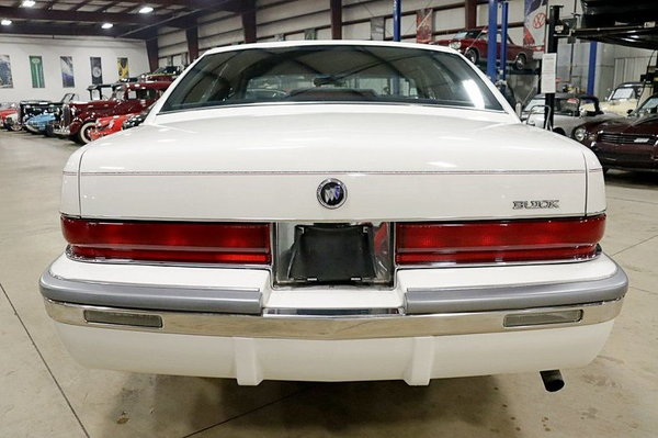 1992 Buick Roadmaster Limited  for Sale $9,900