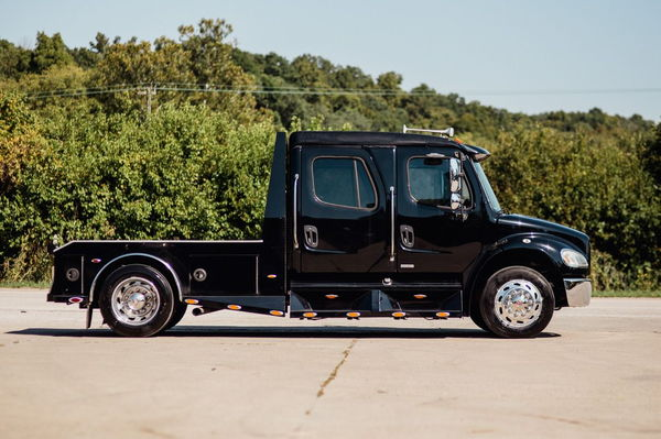 2006 FREIGHTLINER M2-106 SPORT CHASSIS  for Sale $76,500