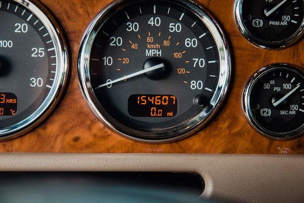 2009 PETERBILT 384 SCHWALBE CUMMINS CREW CAB HAULER  for Sale $139,950