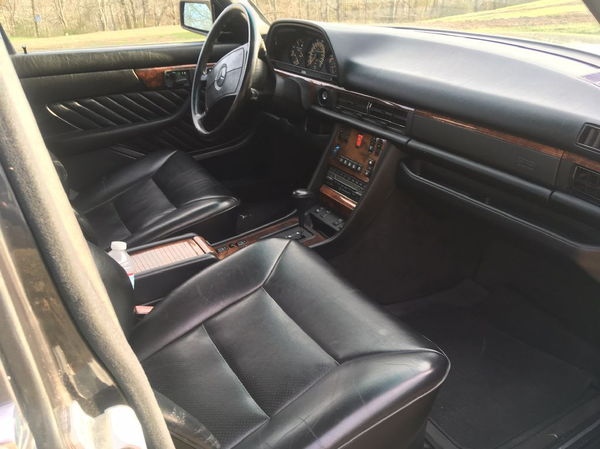 1990 MERCEDES-BENZ 560 SEL  for Sale $12,000