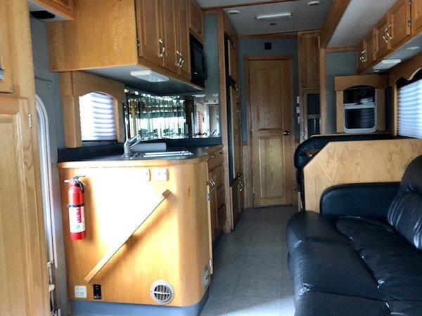 2007 UNITED GARAGE 12'8  for Sale $89,900