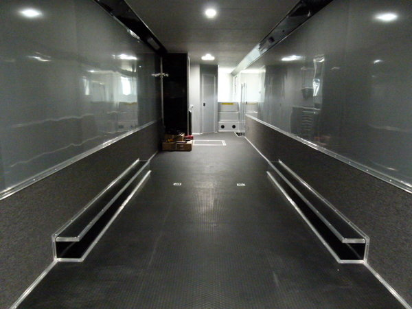2020 53' Cargo Mate Eliminator bath (2) car