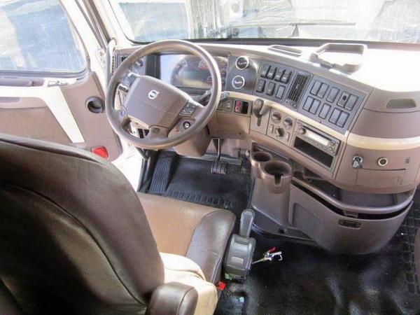2014 Volvo w/ ARI Legacy Condo / Custom Sleeper  for Sale $125,000