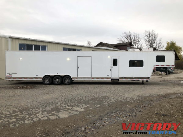 2019 Vintage 48' Gooseneck Trailer with Full Living Quarter
