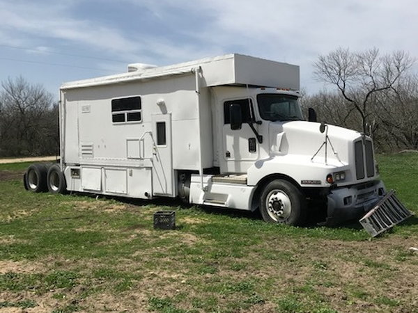 Budget Toterhome-RUNS GREAT!!  for Sale $14,000