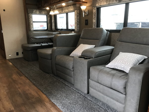2019 Renegade Verona 36VSB Skyline Theater Seating