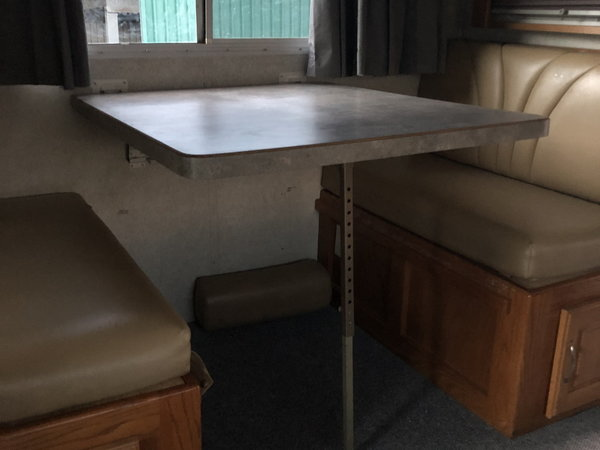 $70k 2003 Freightliner CAT12, excellent condition 209k