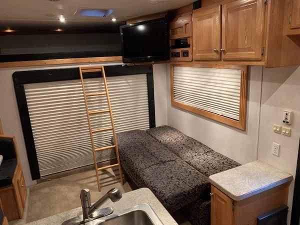 2003 Renegade Toterhome w/ Garage  for Sale $95,000