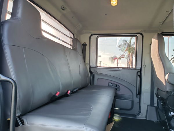 2014 International Custom Hauler (66000 GCVW) 19,000 miles