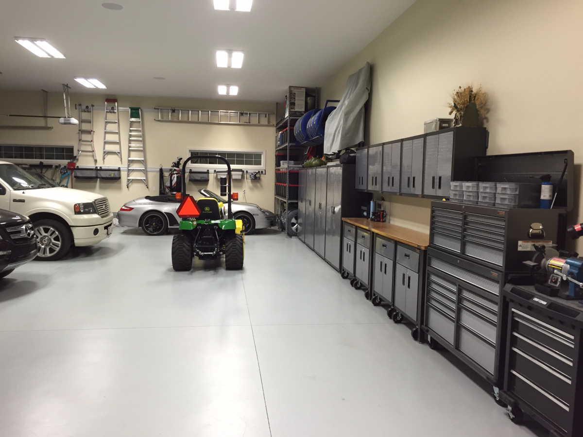 New garage teaser pic rennlist porsche discussion forums for Garage mercedes gap