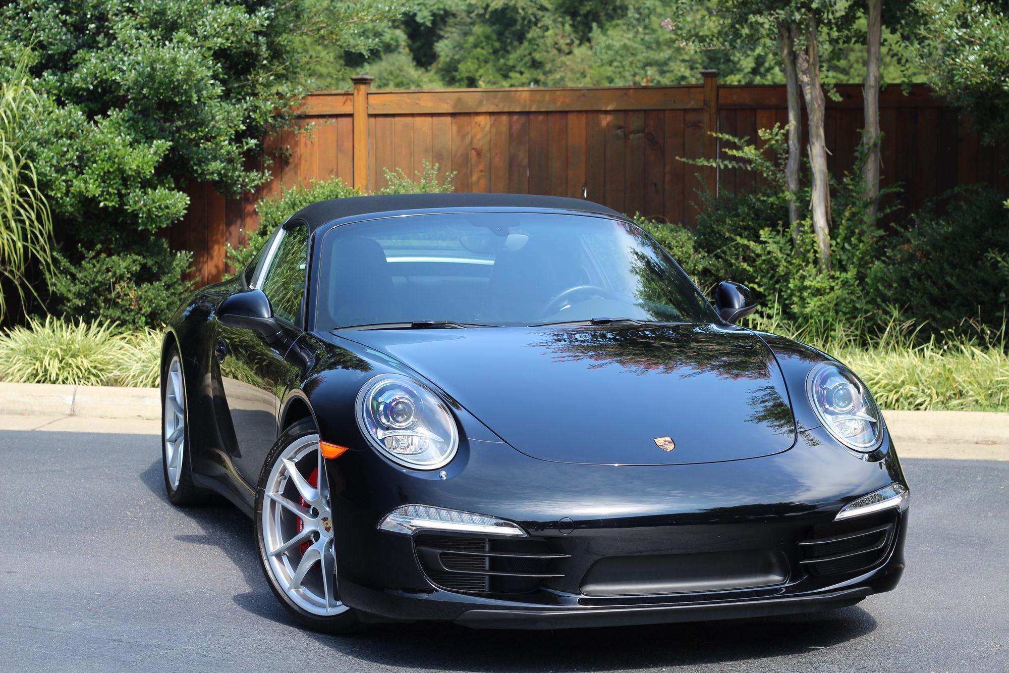 Porsche dynamic light system pdls launch vehicle black standard interior in black power 14 way seats premium package plus