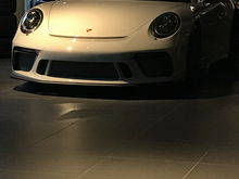 New white 991.2 on the vancouver showroom. I still need to see GR and chalk to help with decision making.