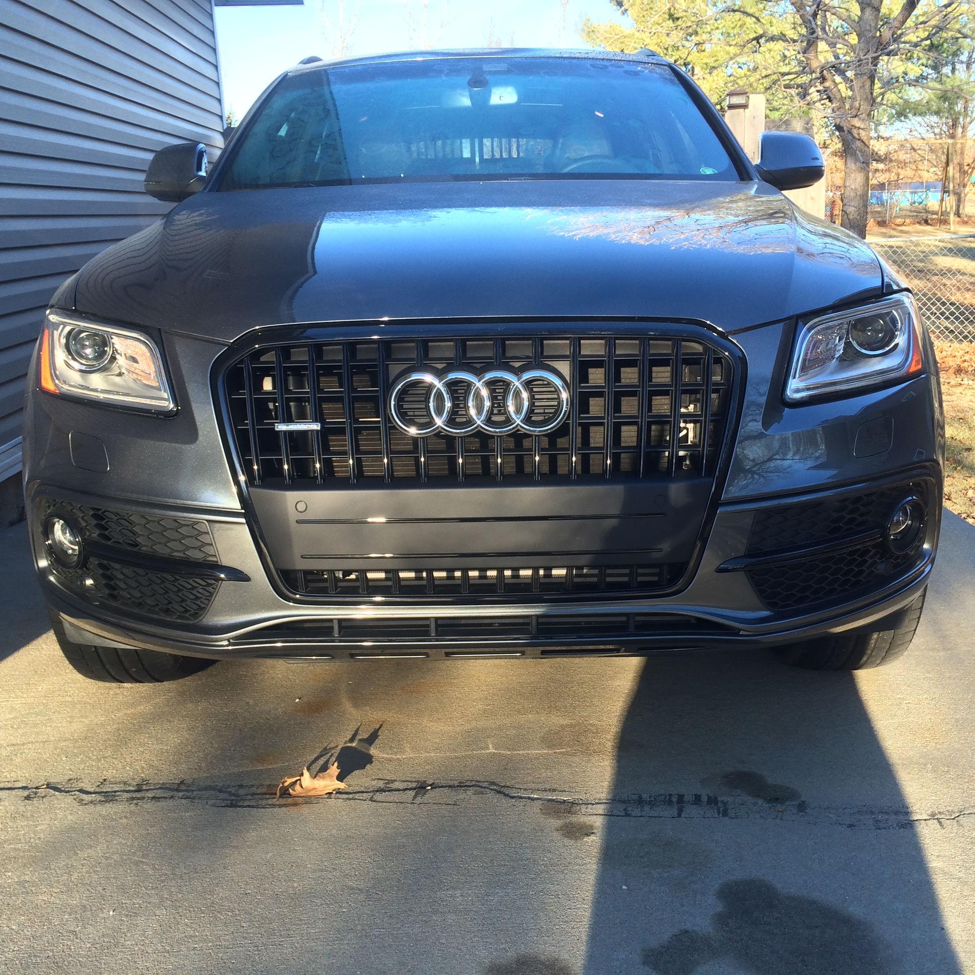 Audi Q5 Black Optic Fog Light Housing
