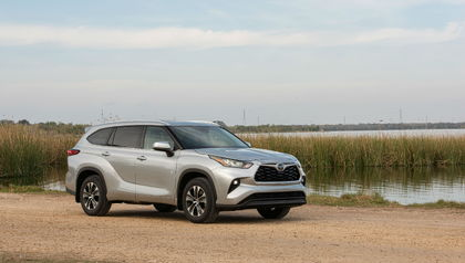2021 toyota highlander: preview, pricing, release date
