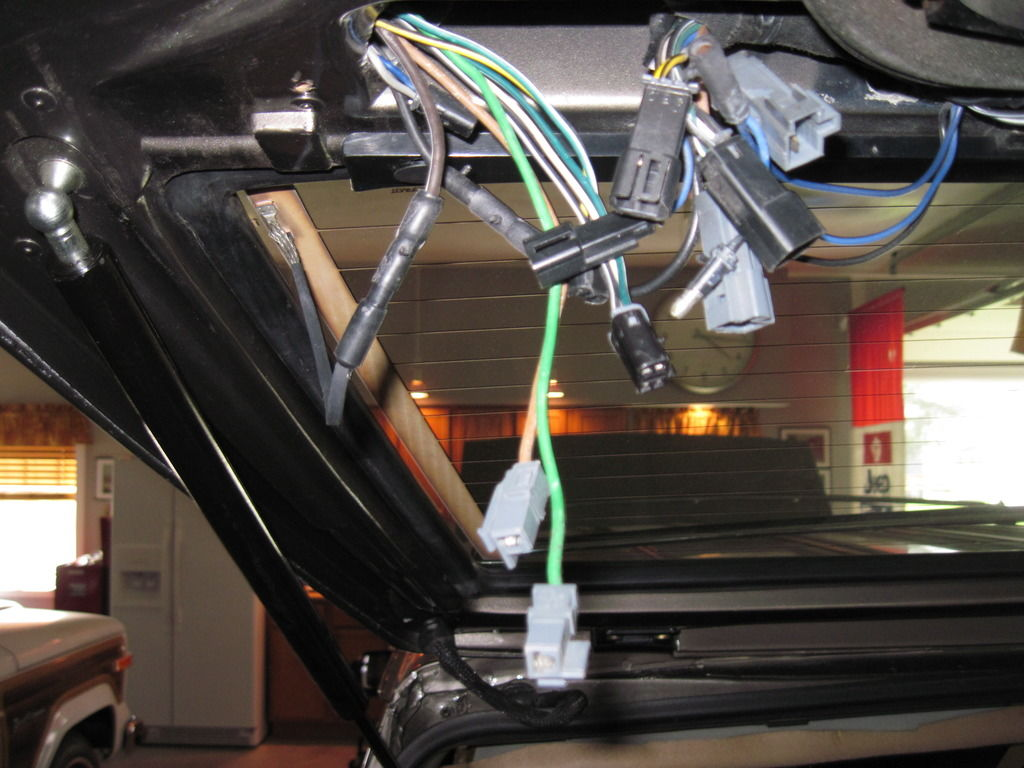 Rear-hatch Wiring
