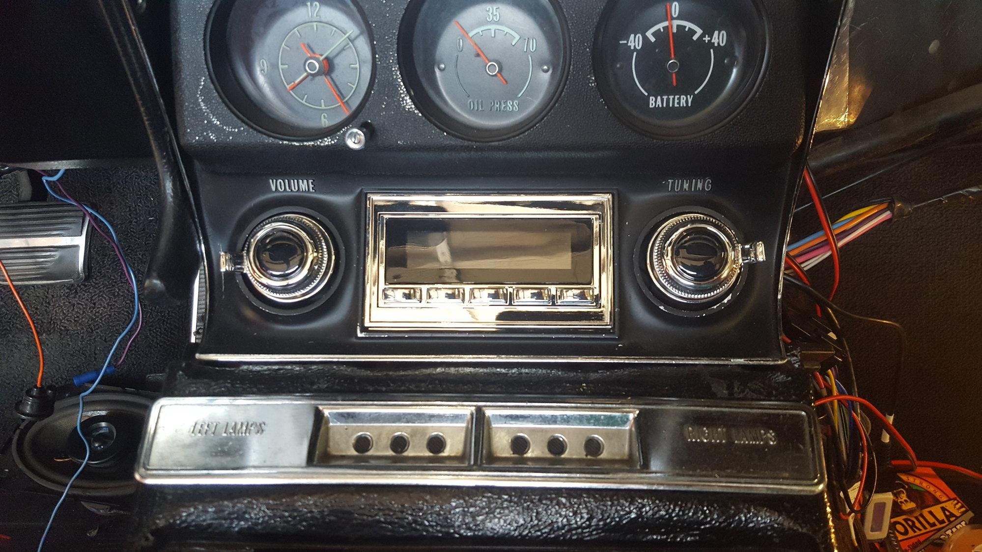 RetroSound Long Beach Radio? - CorvetteForum - Chevrolet Corvette