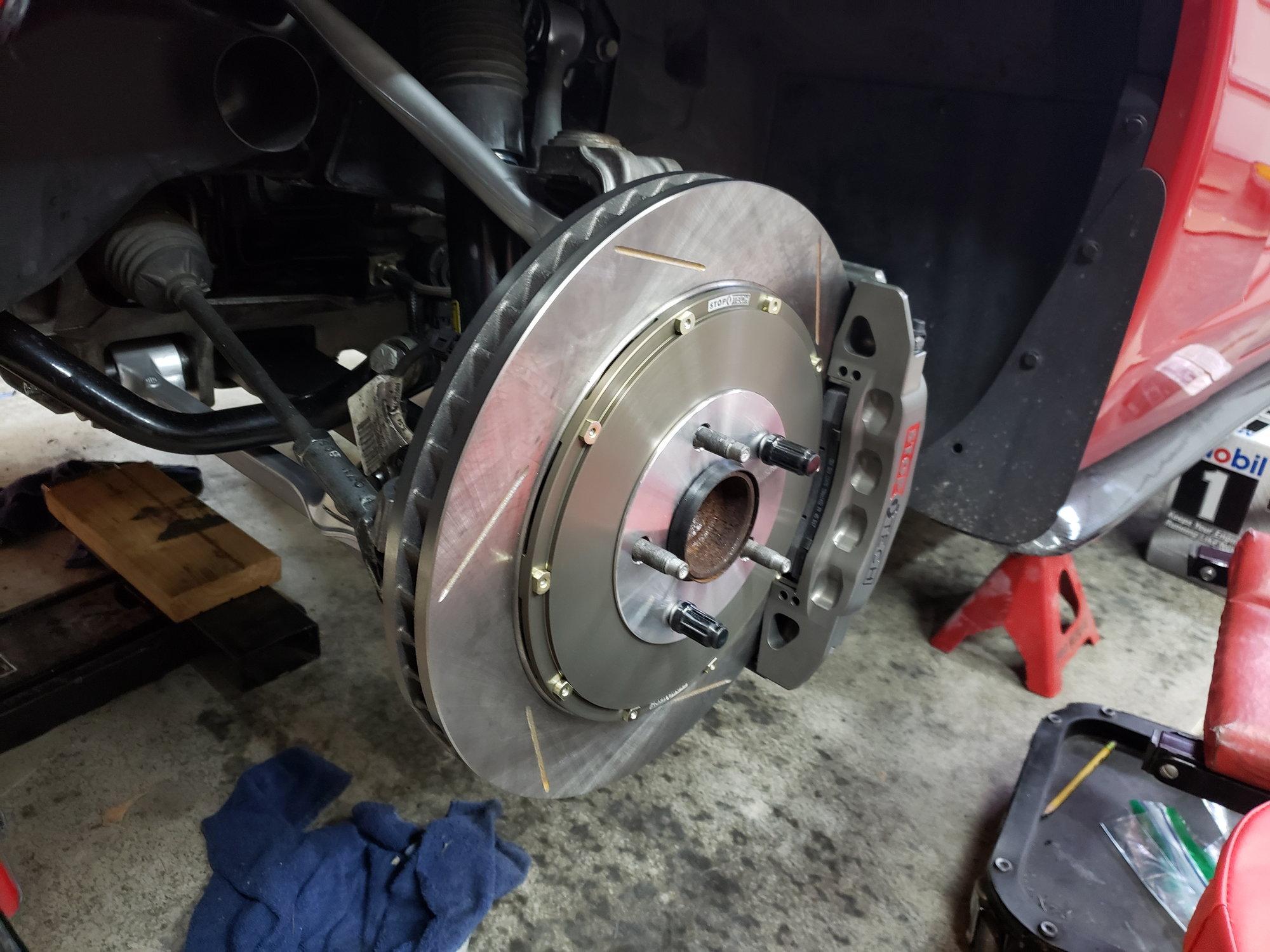 83.187.6700.R1 Front StopTech Brake Kit