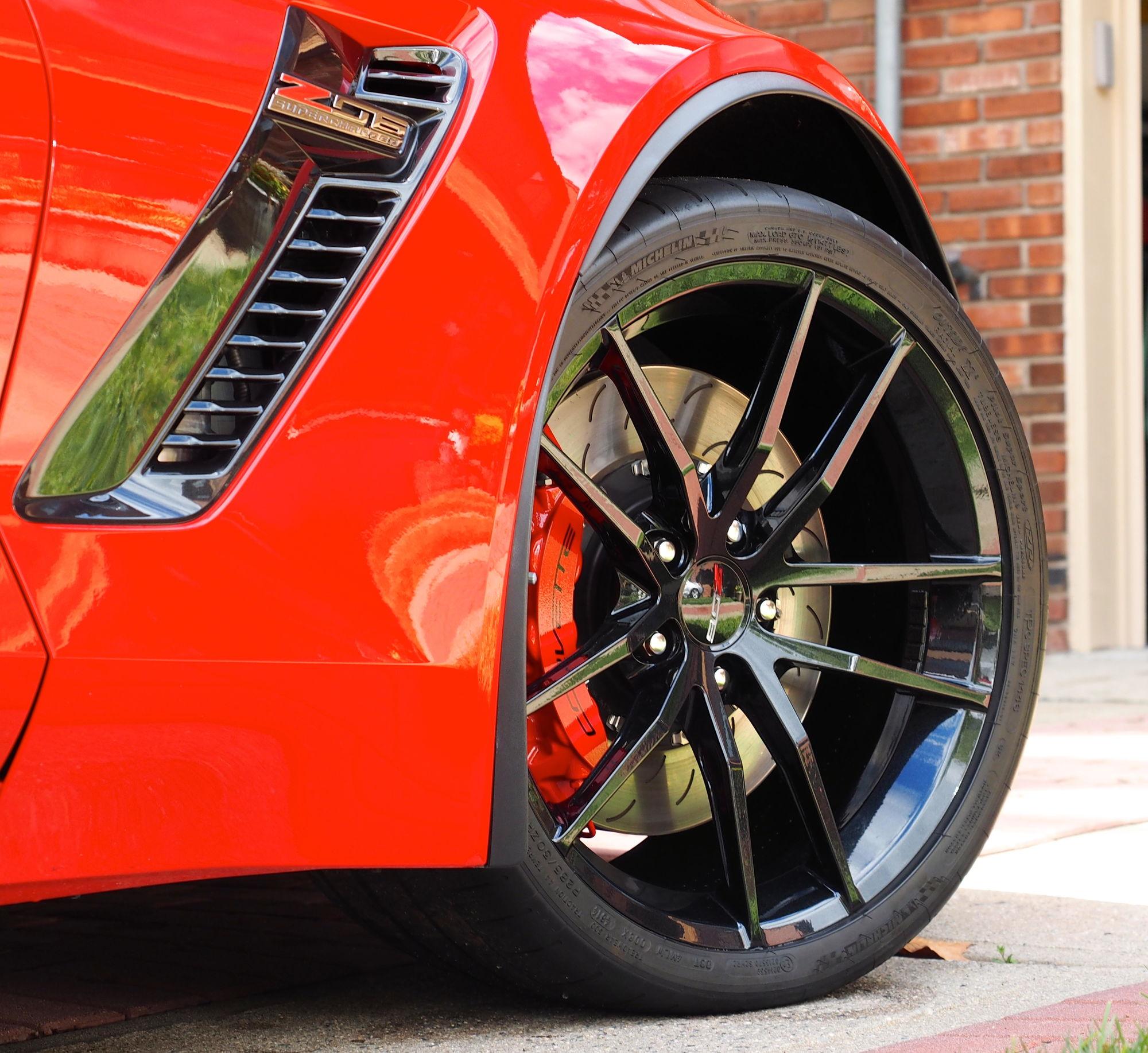 z06  z07 owners looking for street wheel  tire package