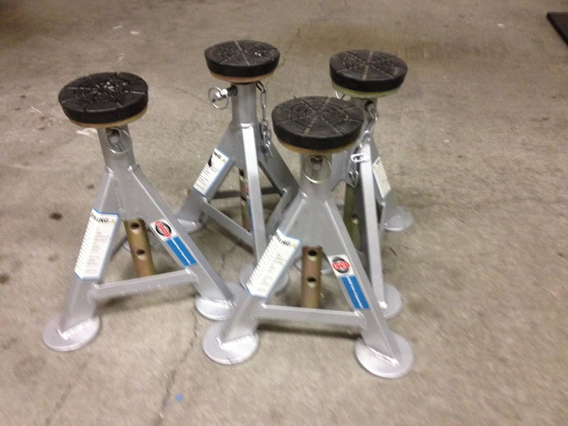 Fs Set Of Four Esco Flat Top Jack Stands 200