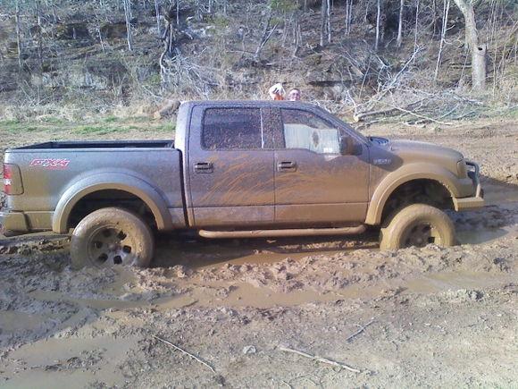 settin up for the mudd pitt!!!