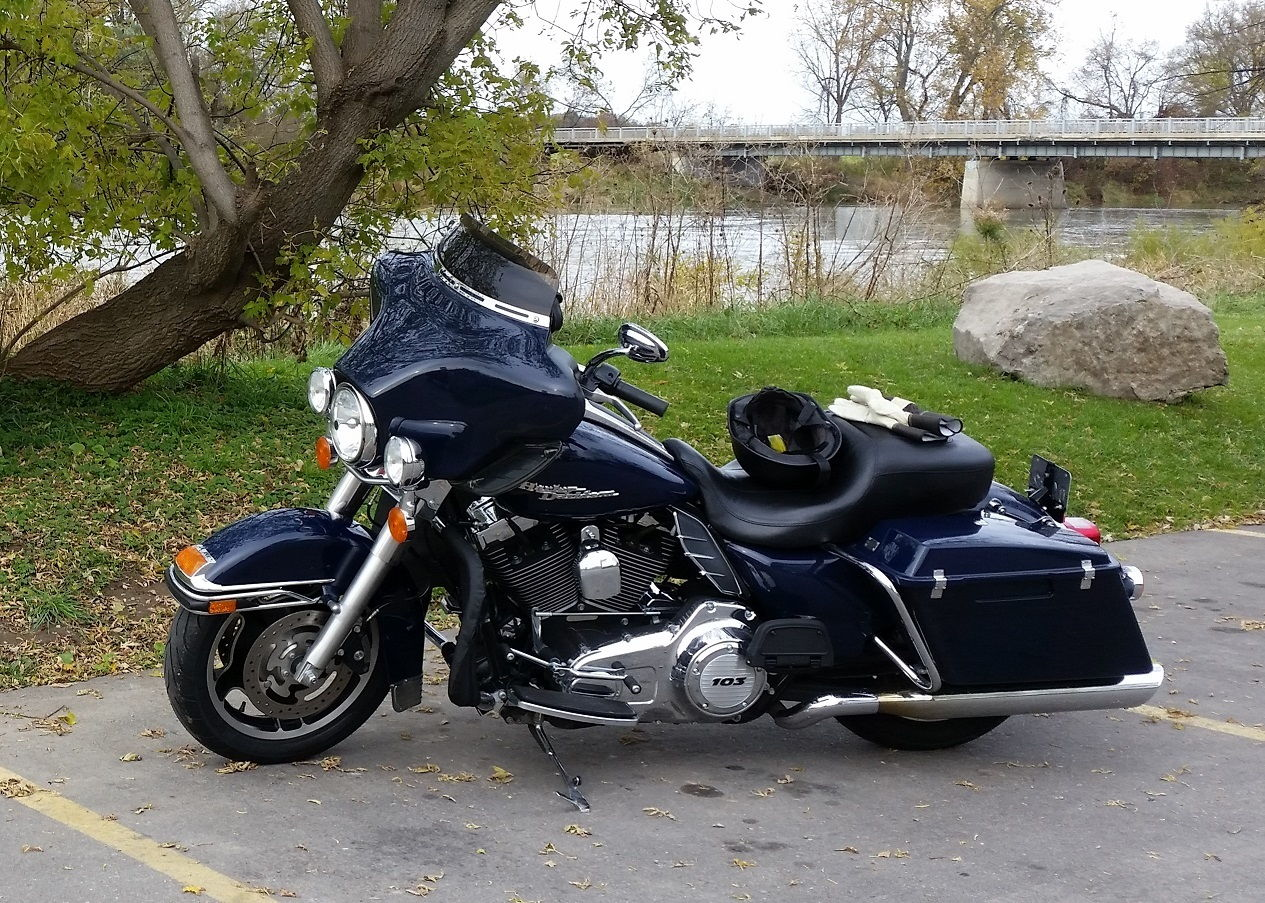 Just bought a 2009 Police Electra Glide, bought the 2009 Touring manual  from dealer and they told me I shouldn't need the police supplement.