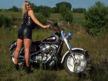 The missus posing with my '92 Dyna (FXDC)