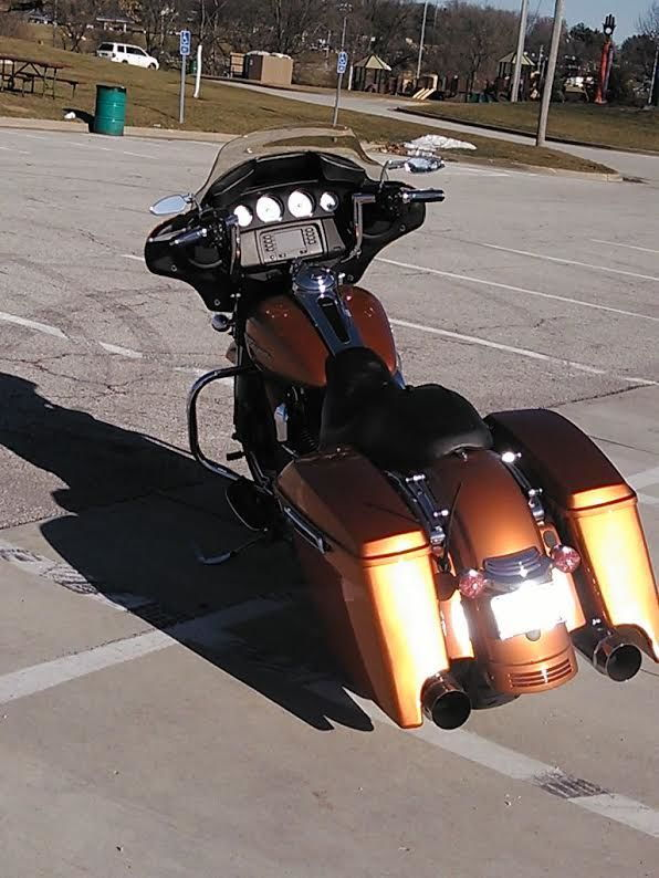 Harley Davidson Saddlebags: Advan Black Color Matched Extended Saddlebags