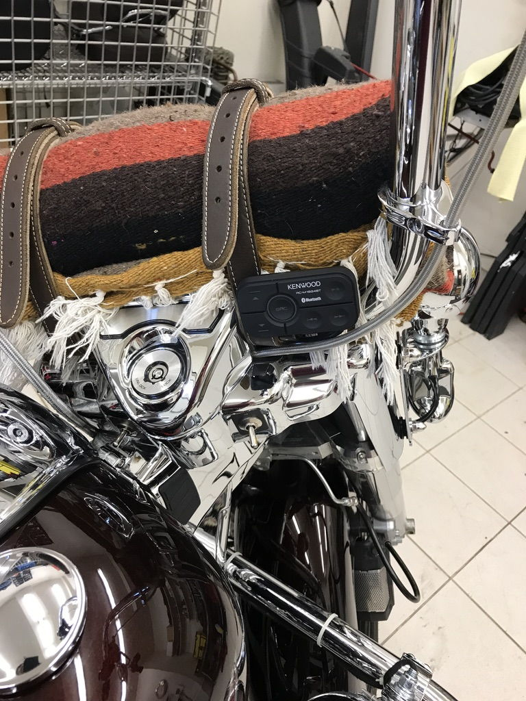 best looking tunes set up for road king with no fairing. Black Bedroom Furniture Sets. Home Design Ideas