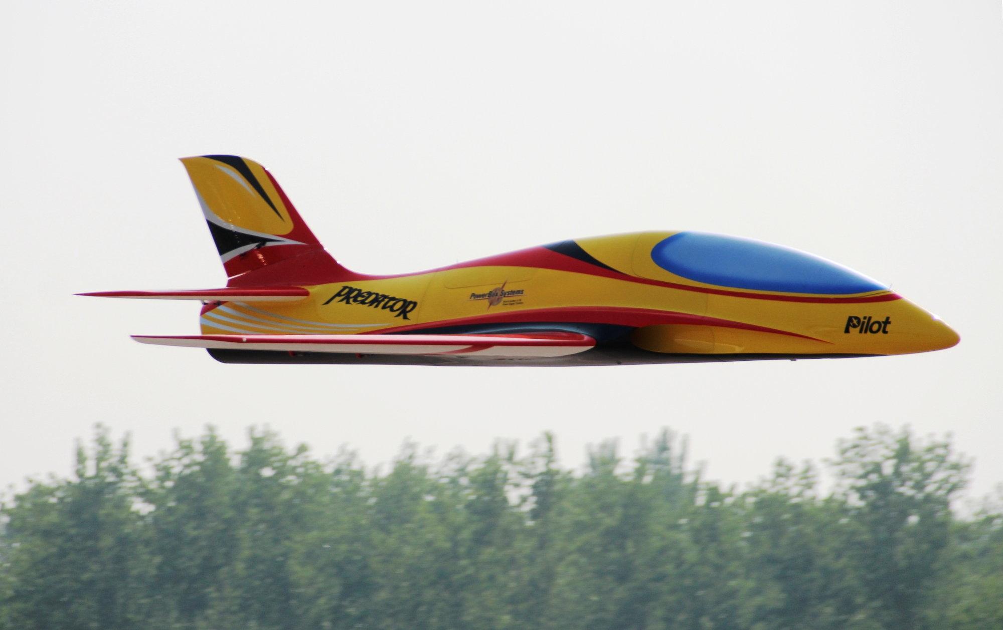 Pilot-RC 3 2m predator sport jet - RCU Forums