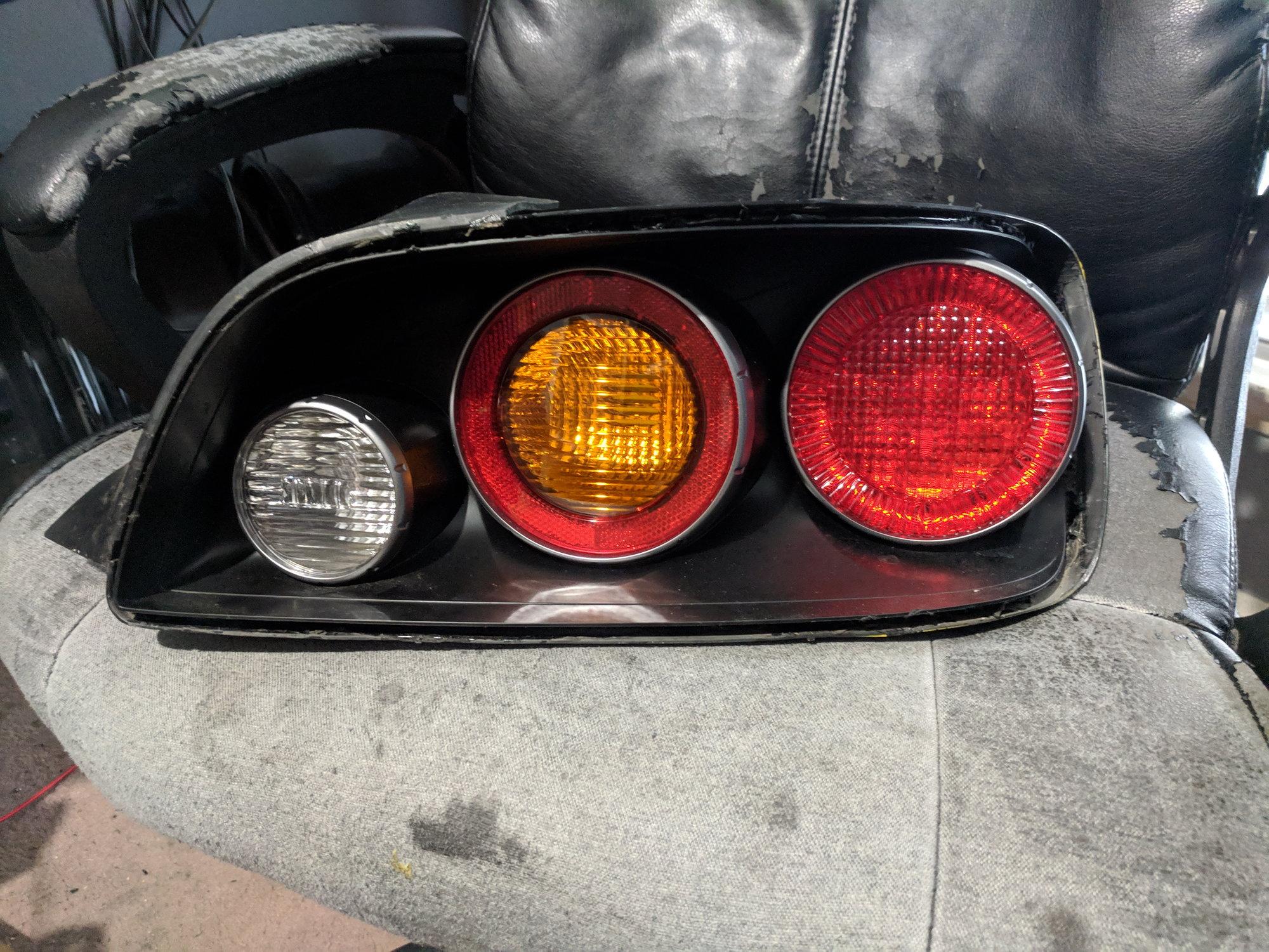 TX: FS - Broken Ap2 passenger side tail light - S2KI Honda S2000 Forums