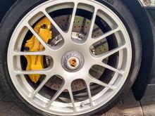 center hub magnesium  wheels and ceramic brakes