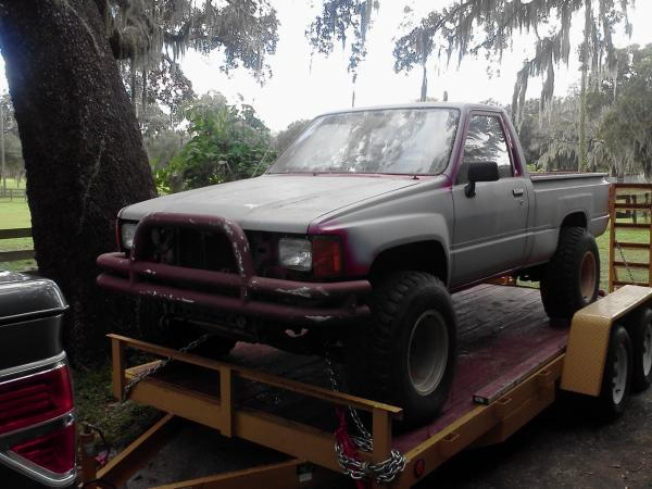 Ford 302 into '86 Toyota Pickup 4x4 regular cab base model