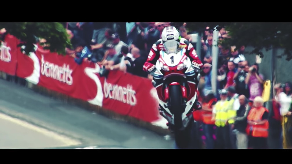 Isle of Man TT by Studiokippenberger