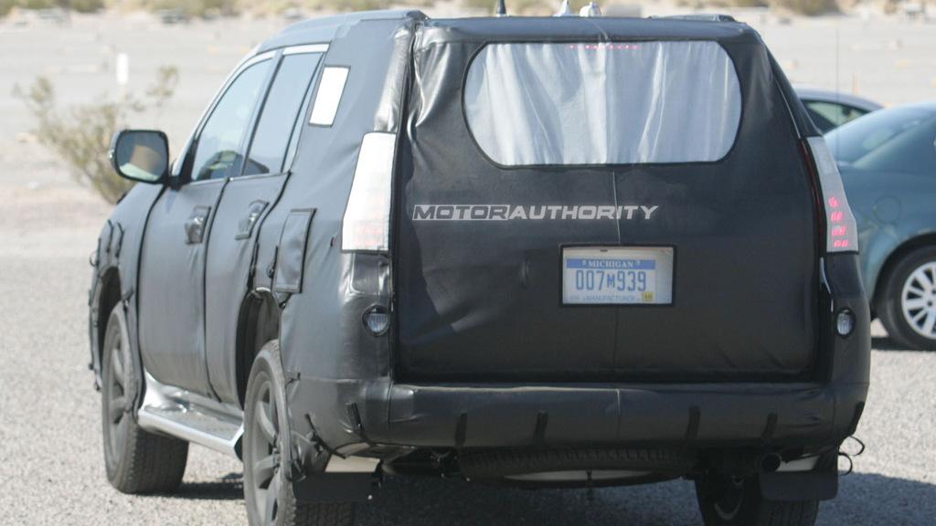 2010 Lexus GX 460 spy shots