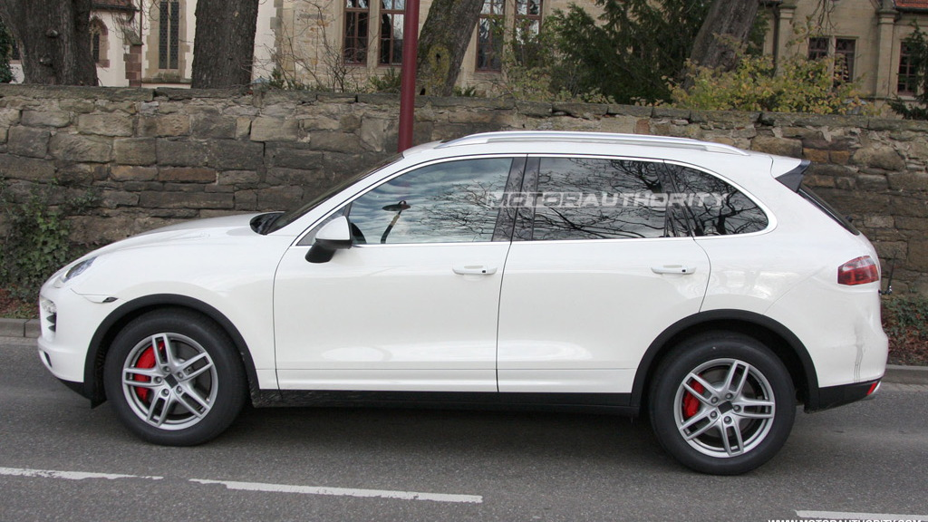 2011 Porsche Cayenne spy shots