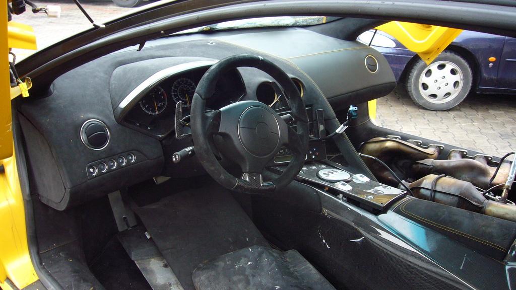 Lamborghini Murcielago LP 670-4 SV crash