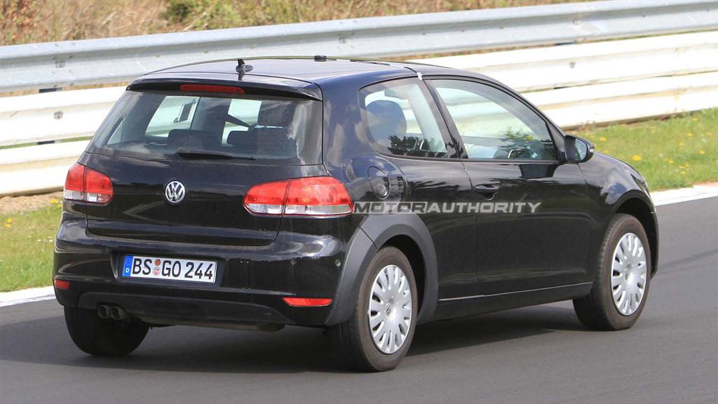 2012 Volkswagen Golf MkVII test mule spy shots
