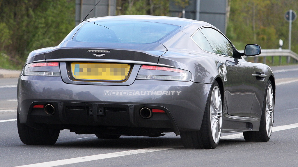 2011 Aston Martin DB9 facelift spy shots