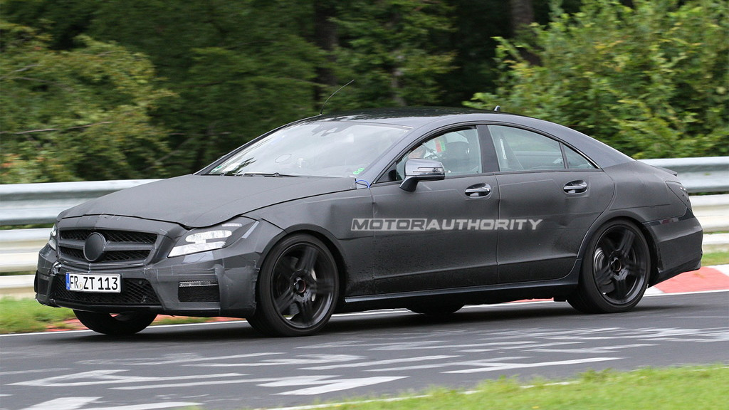 2011 Mercedes-Benz CLS63 AMG spy shots