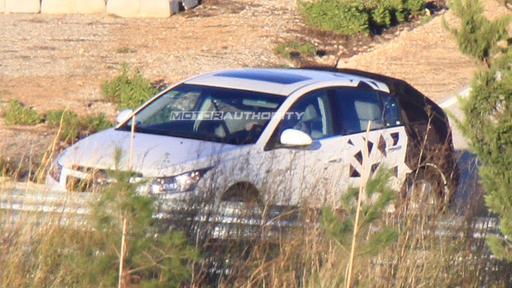 2012 Chevrolet Cruze Hatchback spy shots
