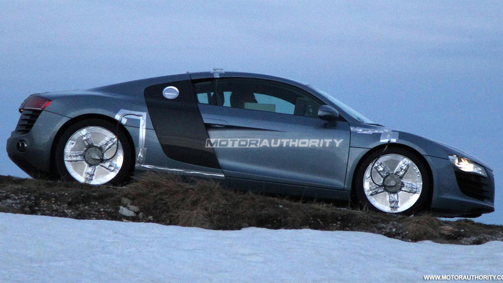 Audi R8 with possible dual clutch transmission spy shots