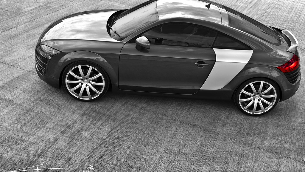 Project Kahn TR8 based on the Audi TT