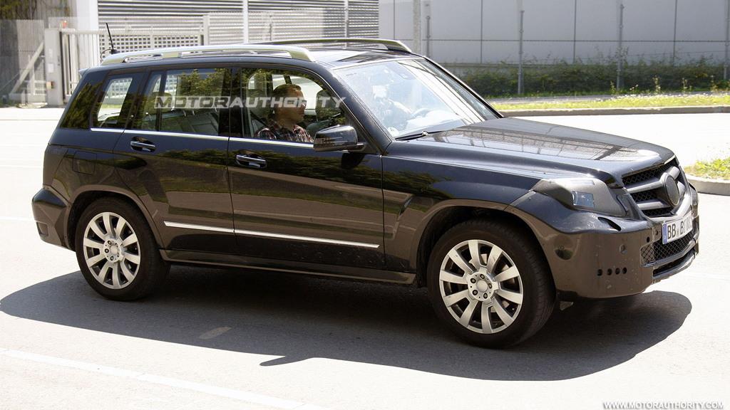 2013 Mercedes-Benz GLK-Class facelift spy shots